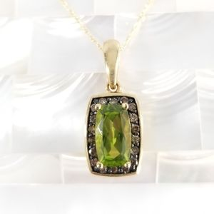 Jewelry - Genuine 10k Peridot & Champagne Diamond Necklace